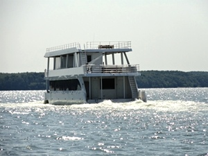 Houseboat Propulsion