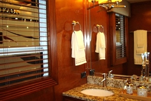 Custom Baths for Stardust Houseboats
