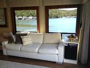 Salon Photos for Stardust Houseboats